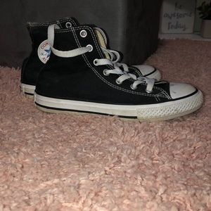 Black converse Sz 2